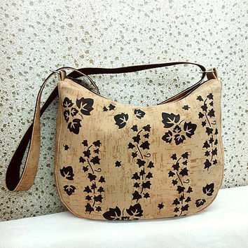 Cork crossbody bag, hobo bag, Leather Cork bag painted, geometric crossbody purse, vegan bag, zipper hobo bag, beige leather purse, day bag