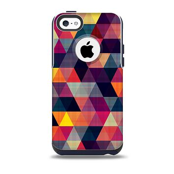 The Vector Triangular Coral & Purple Pattern Skin for the iPhone 5c OtterBox Commuter Case