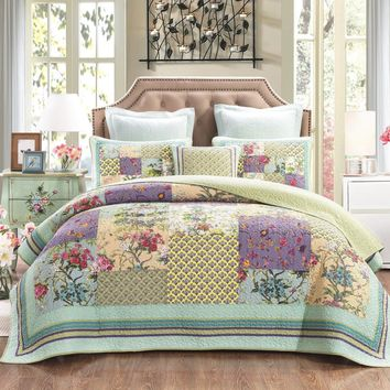 DaDa Bedding Frosted Pastel Gardenia Bohemian Patchwork Quilted Coverlet Bedspread Set (JHW-604)