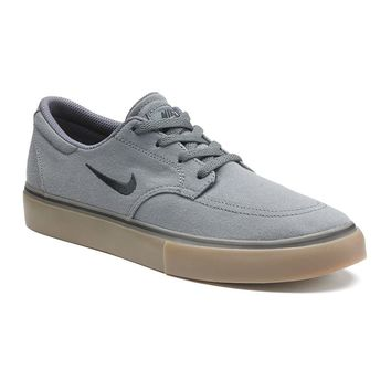 Nike Clutch Grey Gum Boys' Casual Shoes (Black)