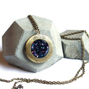 Galaxy locket pendant necklace - with sparkling glitter in nebula color theme - antique look bronze locket pendant - cosmic space jewelry