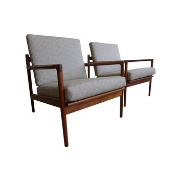 Pre-owned Rare Teak Slat Back Lounge Chair - Pair