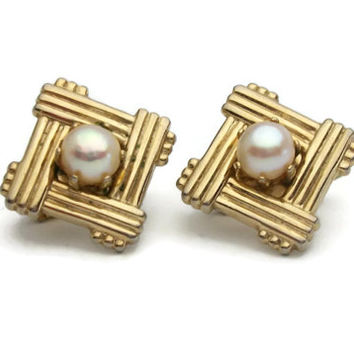 Vintage Faux Pearl Gold Tone Square Clip On Earrings - Diamond Shaped Weave Woven Design - Simulated Pearl - Mid Century Costume Jewelry