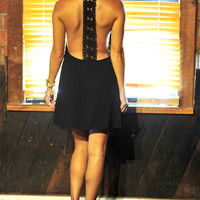 Show Me Your Best Side Dress: Black | Hope's