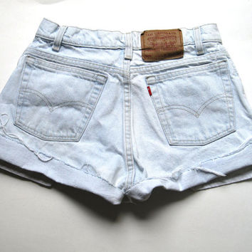 Vintage Levi's Light Wash High Waisted Cut Off Denim Shorts Boyfriend Jean Cuffed 28""