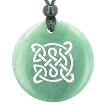 Life Protection Celtic Shield Knot Amulet Green Quartz Magic Pendant Necklace