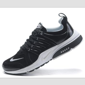 NIKE new lightweight casual shoes sports shoes Black and white