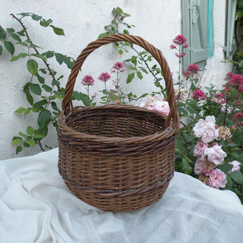 french vintage wicker basket, french shopping basket, vintage basket, french home decor, french farmhouse, cottage chic, basket, hand basket
