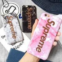 The golden letter Supreme marble apple iphone8plus 7/6s popular logo.Hot pink.