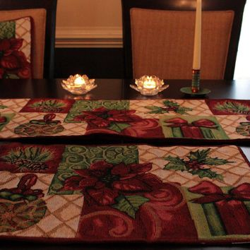 Tache 8 Piece Christmas Tidings Table Set, 2 Table Runners, 2 Cushion Covers, and 4 Placemats