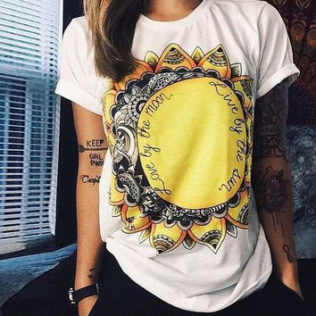 Hot Selling Summer Casual Love by the Moon Live by the Sun Print Punk Rock Graphic Fashion T-shirt