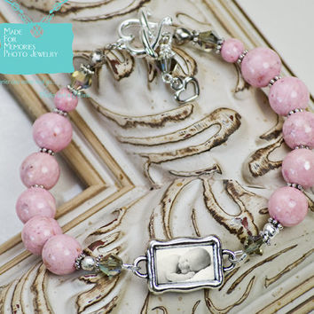 PHOTO BRACELET... Pink Beaded Bracelet with Wavy Photo Charm and Heart Toggle Closure, Charm Bracelet, Mother of the Bride Bracelet, Gift