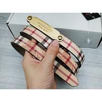 BURBERRY plaid small belts are hot sellers for casual men and women with engraved buckle belts Tartan
