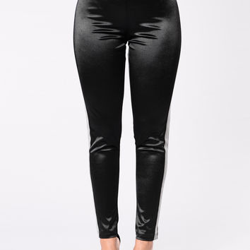 Super Bass Leggings - Black