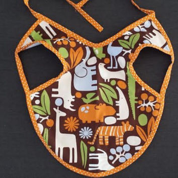 Baby Bib, Gender Neutral Bib, Stay in Place, Stay Clean, Unique Baby Gift, Baby Shower Gift, Bib Apron Combo, Zoo, Jungle, Animals, Giraffe