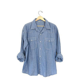 Vintage denim shirt. Men's work shirt. Thin cotton jean shirt. Button down chore shirt. Boyfriend shirt. Pearl snap western shirt.