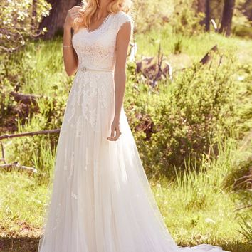 Elegant Lace Appliques Tulle Modest Wedding Dresses Cap Sleeves V Neck Buttons Back Beaded Belt Country Bohemian Wedding Gown