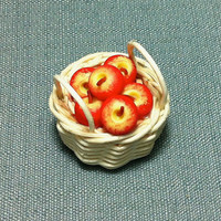 Wicker Red Apples Fruit Basket Miniature Clay Polymer Food Supply Woven Cute Tiny Small Dollhouse Decor Display Decoration Jewelry Hand Made