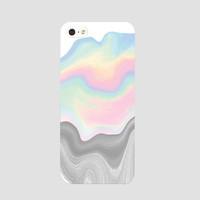 Iridescent phonecase
