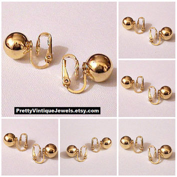 Trifari 9mm Bead Clip On Earrings Gold Tone Vintage Large Round Smooth Polished Reflective Buttons