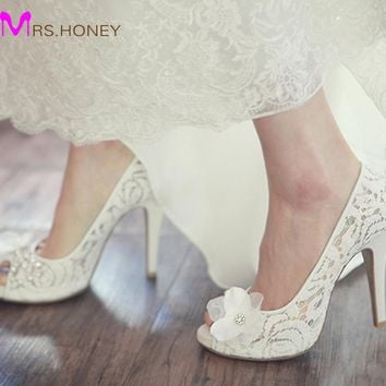 Luxurious Model Bridal Lace Shoes Peep Toe Koren White Wedding Shoes Fashion Platform Stiletto Heel Mother of the Bride Shoes