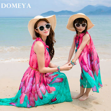 Domeya  2017 sandbeach cloth New Fashion family matching outfits look Summer colour bar family clothing mother daughter dresses