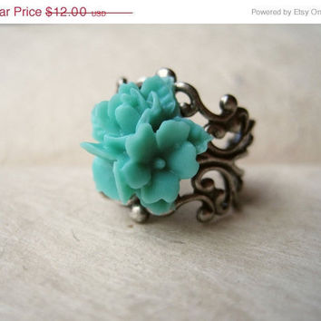 Aqua Flower Ring, Cluster Rose Ring, Star Flower Ring, Mint Green Ring, Seafoam, Silver Ring, Adjustable Ring, Filigree Ring. Summer Jewelry