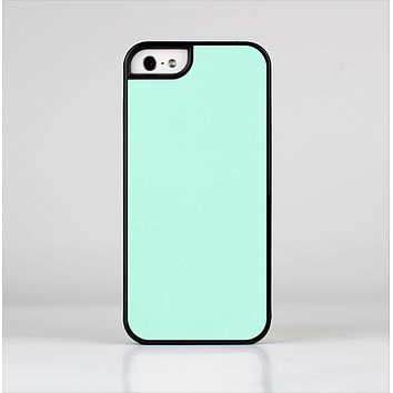 The Subtle Solid Green Skin-Sert Case for the Apple iPhone 5/5s