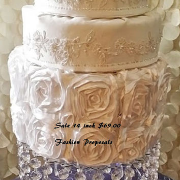 SALE  Wedding Cake Stand with Crystals/ Chandelier Acrylic. Wedding Cake Stand. Cupcake stand. Dessert Stand