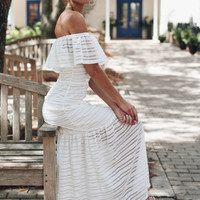 TOBY HEART GINGER - Infatuated White Maxi Dress