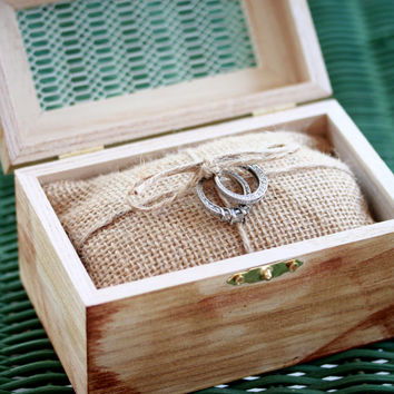 Rustic Burlap Ring Bearer Pillow with small wood box