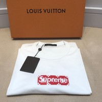 SUPREME X LOUIS VUITTON - BOX LOGO MONOGRAM TEE - 4L (XL/XXL) - T SHIRT LV BOGO