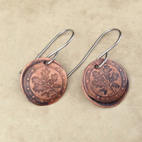 Copper patina disc earrings, coin impressed circle disc, European coin texture dangles rustic earrings, small copper coin earring