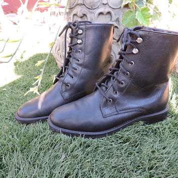 G H BASS black leather ankle boots / size 8 / made in Brazil / vintage G H Bass & Co / grunge minimalist black lace up boots / combat boots
