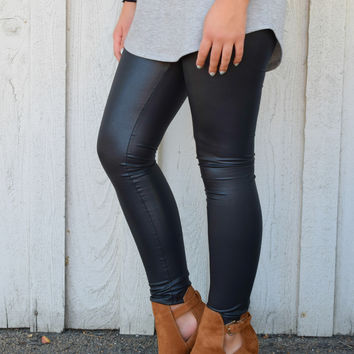 Matte Black Leather Leggings