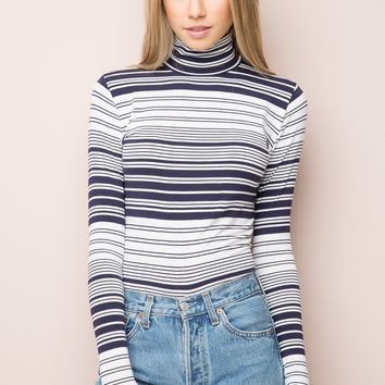 KENDRA TURTLENECK TOP