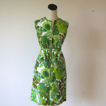 Green Floral Psychedelic Print 1960's Cotton by RetroFascination