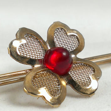 Lingerie Brooch Baby Diaper Pin Gold Tone Mesh Ruby Red Flower Four Leaf Clover Wedding Honeymoon Accessory Burlesque Rockabilly Pin Up