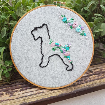 Dog-i love my dog-emboridery hoop-hand embroidery-free motionmachine embroidery-floral display-dog walker gift-me and my dog-dogs rule