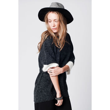 Dark grey sweater in angora mix with 3/4 sleeves and white contrast trim