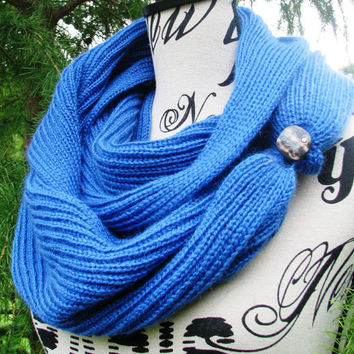 Knit scarf , FREE SHIPPING. open weave Knit Scarf with button,  infinity scarf, Cowl, loop scarf , ive. unisex, gift for man. gift for women