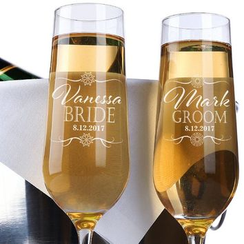 Set of 2, Bride Groom Wedding Champagne Flutes, Personalized Champagne Flute Wedding Favors, Custom Bride and Groom Champagne Glasses #N10