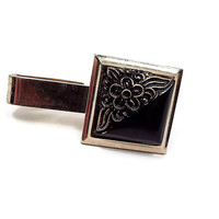 Vintage Tie Clip, Black and Gold Tone, Flower Tie Clip, Floral Jewelry, Mid Century 1960s 60s, Black Glass Cab, Square Tie Clasp