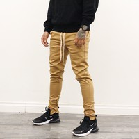 Grayson Skinny Chino Pants (Brown)