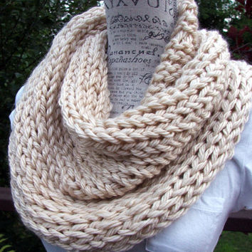 Knit Cowl. Chunky. Infinity. Scarf. Cream. Knitted Scarf. Made by Bead Gs on ETSY