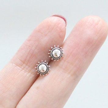 Silver Sun Earrings, Simple Sun Earrings, Sun Earrings, Sun Stud Earrings, Sun Ear Studs, Sun Earring, Sterling Silver