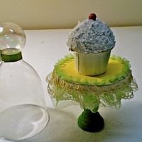 THE TIANA...(set of 4) princess & the frog style mini cupcake stands