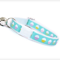 "Cat Collar - ""Birthday Cupcakes"" - Cupcakes on Aqua Blue & White"