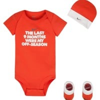 Nike Newborn Boys' 9 Months 3 Piece Set