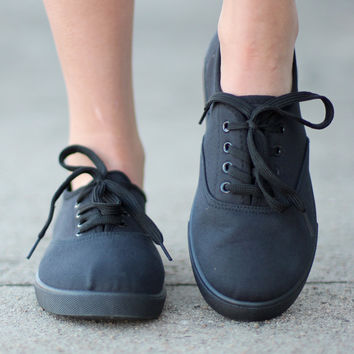 Favorite Canvas Sneakers {Black}